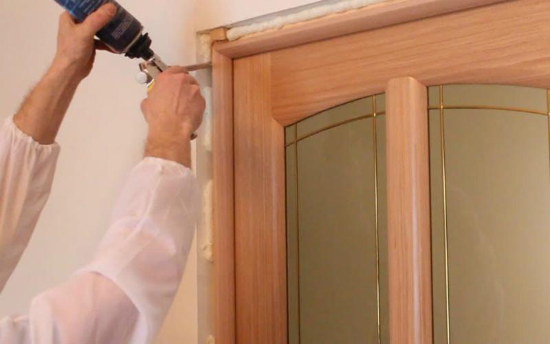 Стоимость установки межкомнатных дверей