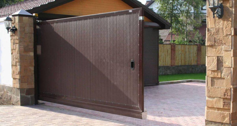 Откатные ворота — удобный вход в собственность